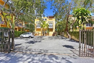Coconut Grove Condo/Townhouse For Sale: 2855 Coconut Ave #2855