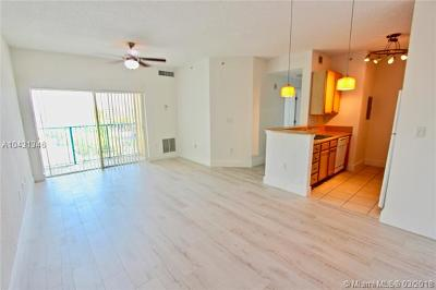 South Miami Condo/Townhouse For Sale: 6001 SW 70th St #609