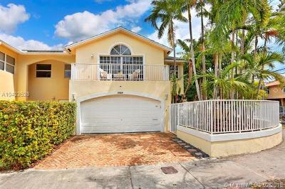 Coconut Grove Condo/Townhouse For Sale: 3085 Matilda St #C