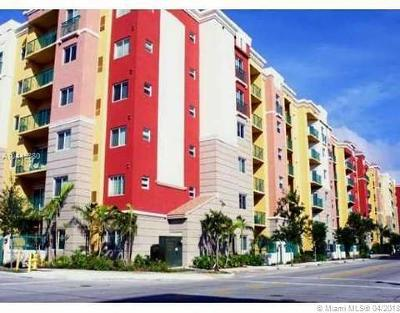South Miami Condo/Townhouse For Sale: 6001 SW 70th St #138