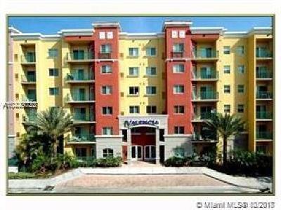 South Miami Condo/Townhouse For Sale: 6001 SW 70th St #155