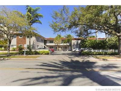 Coral Gables Condo/Townhouse For Sale: 95 Edgewater Dr #202