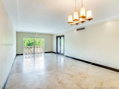 Coral Gables Condo/Townhouse For Sale: 100 Edgewater Dr #215