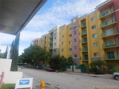 South Miami Condo/Townhouse For Sale: 6001 SW 70th St #152