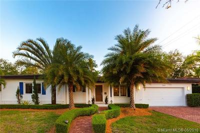 Coral Gables Single Family Home For Sale: 1160 S Alhambra Cir