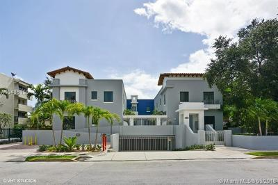 South Miami Condo/Townhouse For Sale: 5864 SW 74th Ter #C