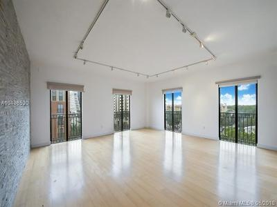 Coral Gables Condo/Townhouse For Sale: 711 Biltmore Wy #602