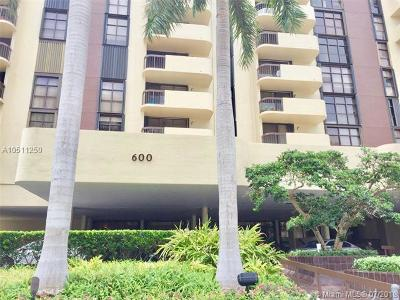 Coral Gables Condo/Townhouse For Sale: 600 Biltmore Way #618