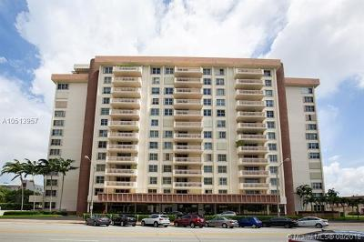 Coral Gables Condo/Townhouse For Sale: 625 Biltmore Way #201