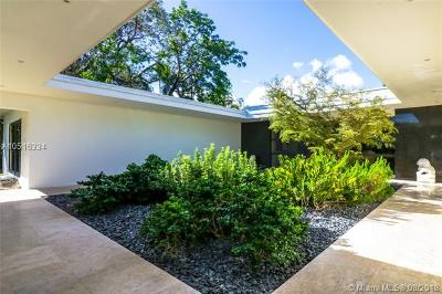 Coconut Grove Single Family Home For Sale: 1921 S Bayshore Dr