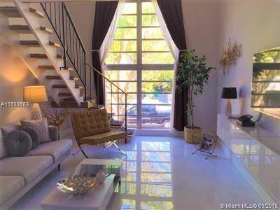 Coral Gables Condo/Townhouse For Sale: 234 Antiquera Ave #15