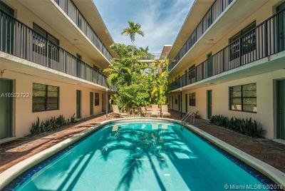 Coconut Grove Condo/Townhouse For Sale: 3242 Mary St #S114