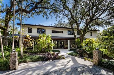 Coral Gables Single Family Home For Sale: 10845 Snapper Creek Rd