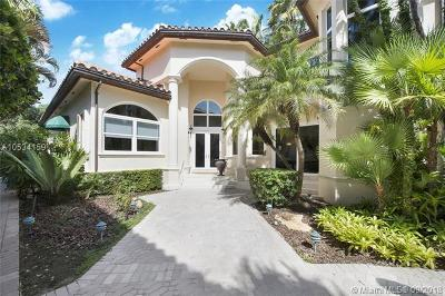 Coral Gables Single Family Home For Sale: 13686 Deering Bay Dr