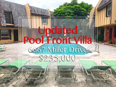 South Miami Condo/Townhouse For Sale: 6667 Miller Dr #14