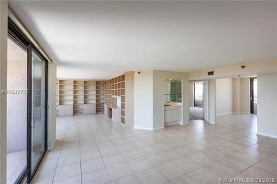 Coral Gables Condo/Townhouse For Sale: 441 Valencia Ave #1001
