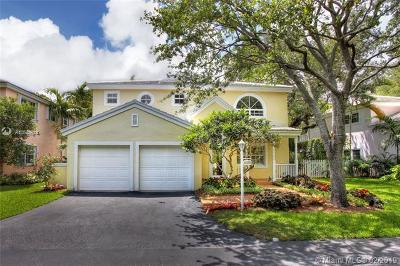 South Miami Single Family Home For Sale: 6493 Sunset Dr (Orr's Pond)