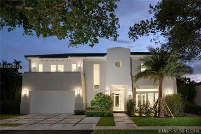 Coral Gables Single Family Home For Sale: 734 Navarre Ave