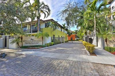 Coconut Grove Condo/Townhouse For Sale: 3024 McDonald St #1