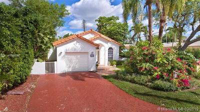 Coral Gables Single Family Home For Sale: 1051 Pinero Ave