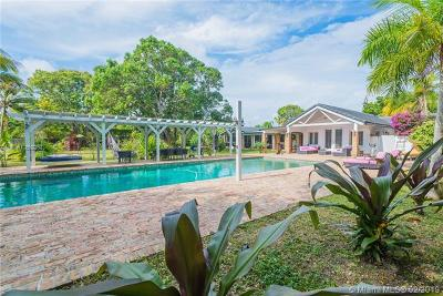 Pinecrest FL Single Family Home For Sale: $1,990,000
