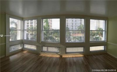 Coral Gables Condo/Townhouse For Sale: 700 Biltmore #311