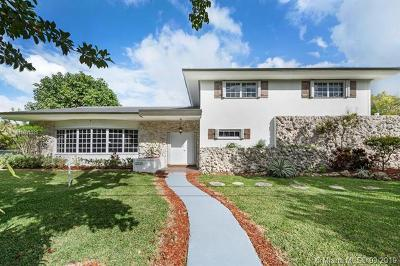 Pinecrest Single Family Home For Sale: 12525 SW 71st Ave