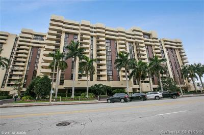 Coral Gables Condo/Townhouse For Sale: 600 Biltmore Way #306
