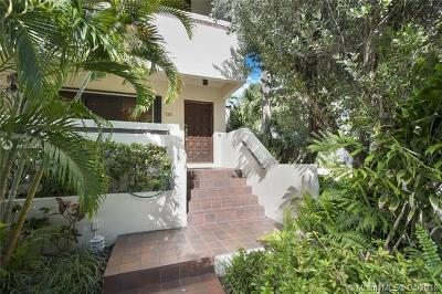 Coral Gables Condo/Townhouse For Sale: 2600 Cardena St #16