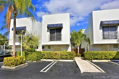 Coconut Grove Condo/Townhouse For Sale: 2945 Bridgeport Ave #H