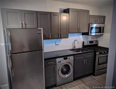 South Miami Condo/Townhouse For Sale: 7901 SW 64th Ave #2