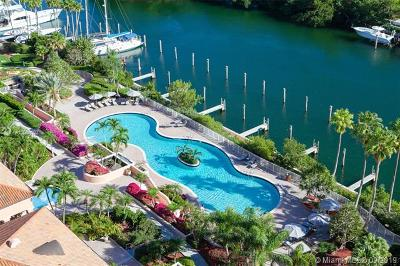 Coral Gables Condo/Townhouse For Sale: 60 Edgewater Dr #PH3D