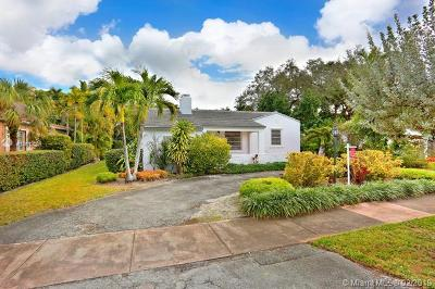 Coral Gables Single Family Home For Sale: 841 Granada Groves Ct