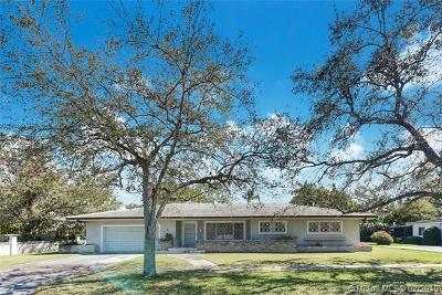 Coral Gables Single Family Home For Sale: 6811 Barquera St