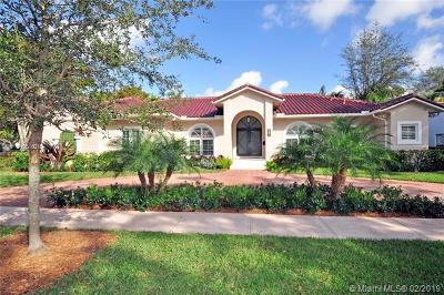Coral Gables Single Family Home For Sale: 647 Zamora Ave