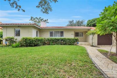 Coral Gables Single Family Home For Sale: 636 Majorca Ave