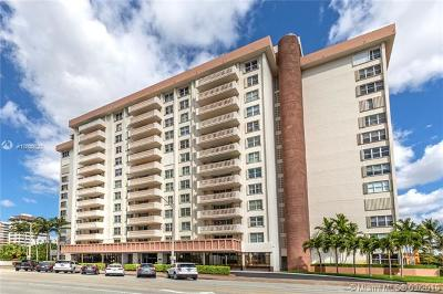 Coral Gables Condo/Townhouse For Sale: 625 Biltmore Way #601