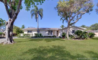 Pinecrest Single Family Home For Sale: 12600 SW 69th Ct