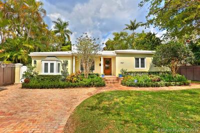 Coconut Grove Single Family Home For Sale: 4021 Woodridge Rd