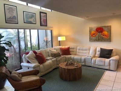 South Miami Condo/Townhouse For Sale: 6620 SW 70th Ln #23