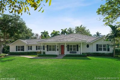 Pinecrest Single Family Home For Sale: 10025 SW 58th Ave