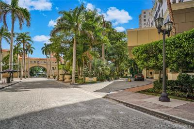 Coral Gables Condo/Townhouse For Sale: 888 S Douglas Rd #303