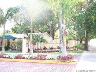 Pinecrest Condo/Townhouse For Sale: 6904 N Kendall Dr #F402