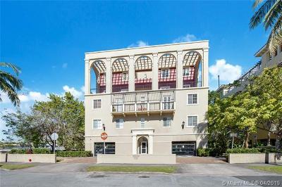 Coral Gables Condo/Townhouse For Sale: 115 Mendoza Ave #302