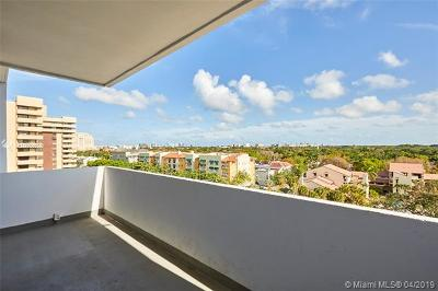 Coral Gables Condo/Townhouse For Sale: 700 Biltmore Way #802