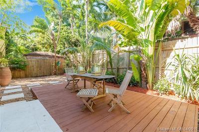 Coconut Grove Condo/Townhouse For Sale: 3222 Gifford Lane #2