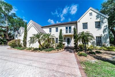 Coral Gables Single Family Home For Sale: 6750 Granada Blvd