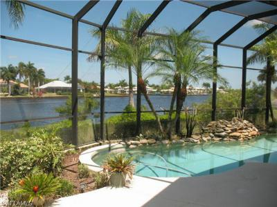 Naples Single Family Home For Sale: 121 Wilderness Cay