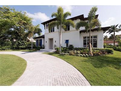 Naples Single Family Home For Sale: 590 Palm Cir E