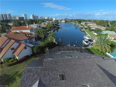 Naples Single Family Home For Sale: 285 Mermaids Bight